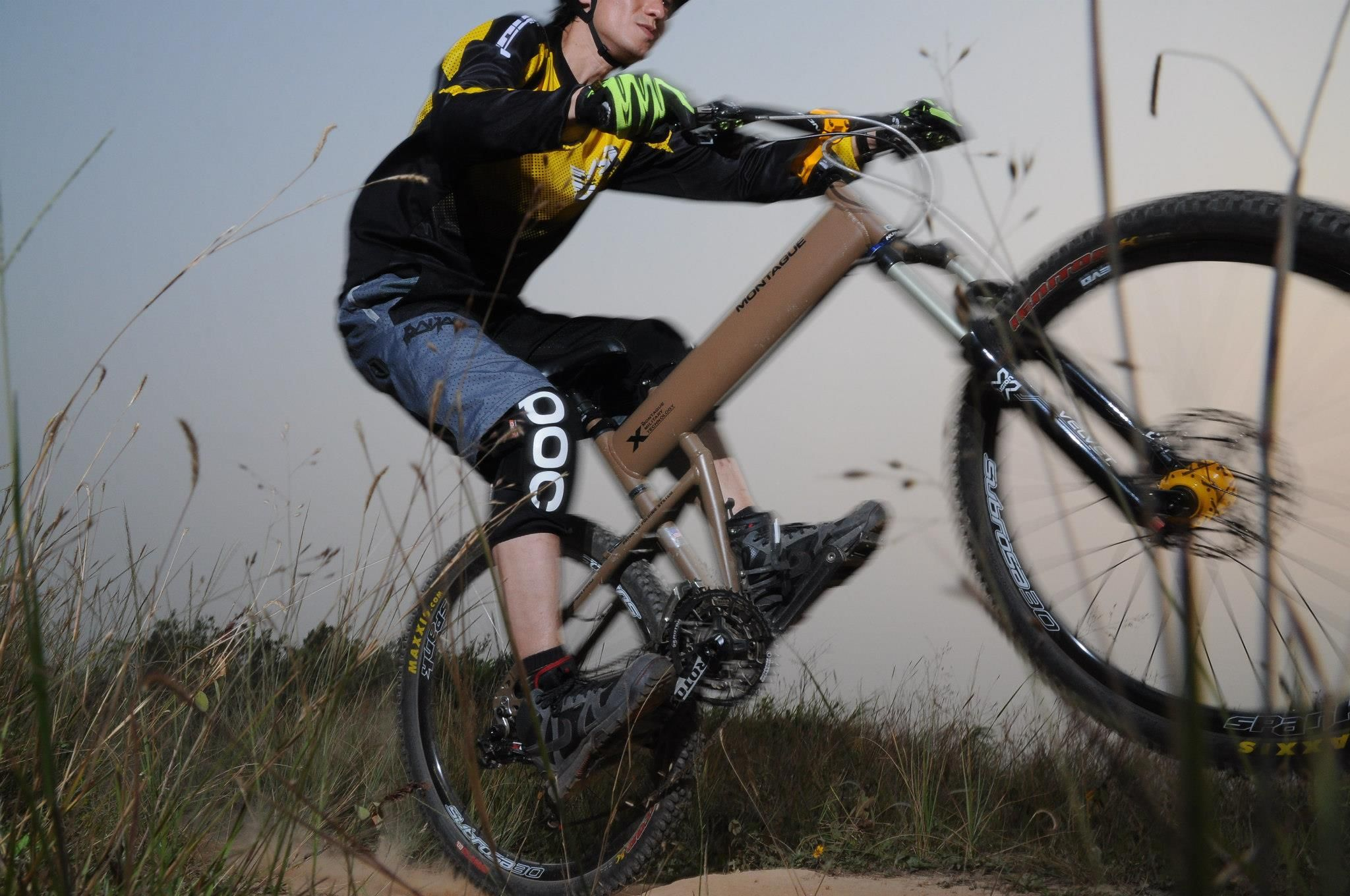 hummer road bike - Google Search | Bike design, Montague