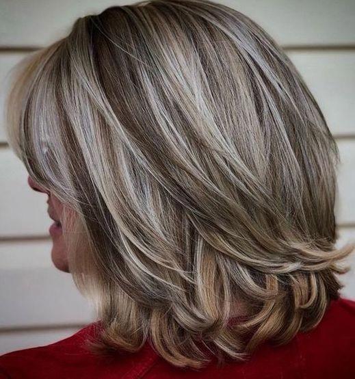 Breathtaking Blonde And Gray Hair Colors Blend Wavybob Grey Hair Styles For Women Medium Hair Styles Medium Length Hair Styles