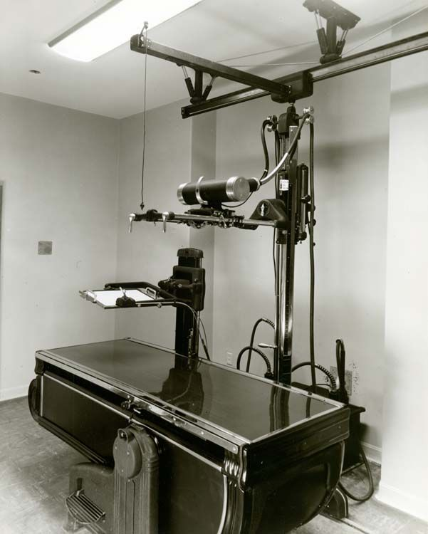 X ray machine...old school | Vintage medical, Medical history ...