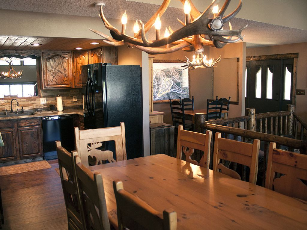 Lamps Deer Antler Chandelier Animal Print Dining Room Chairs Rectangular Wood Table Kitchen Cabinet Storage With Drawers Black