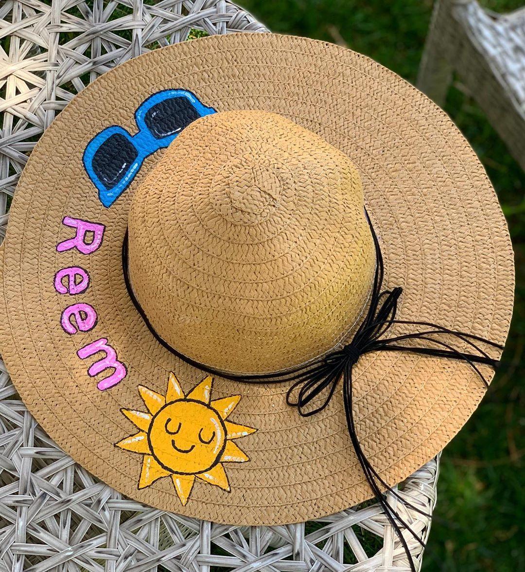 طاقية البحر احلى رفيقة هالصيفية مبروكة ريم منورة طاقية بحر صيفية صيف مشغل وداد شمس ري Painted Clothes Cowboy Hats Hand Painted