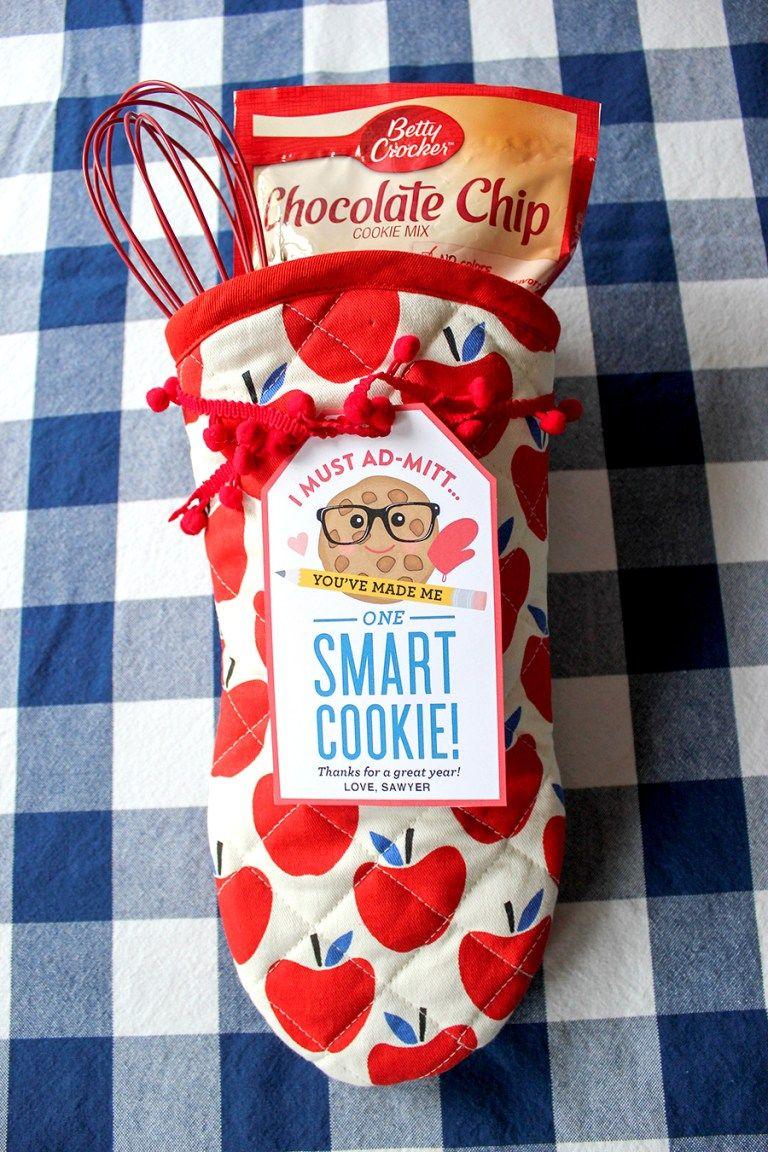 Oven Mitt Smart Cookie Teacher Gift Idea Sweet Christmas Gift Ideas Neighbor Christmas Gifts Teacher Christmas Gifts