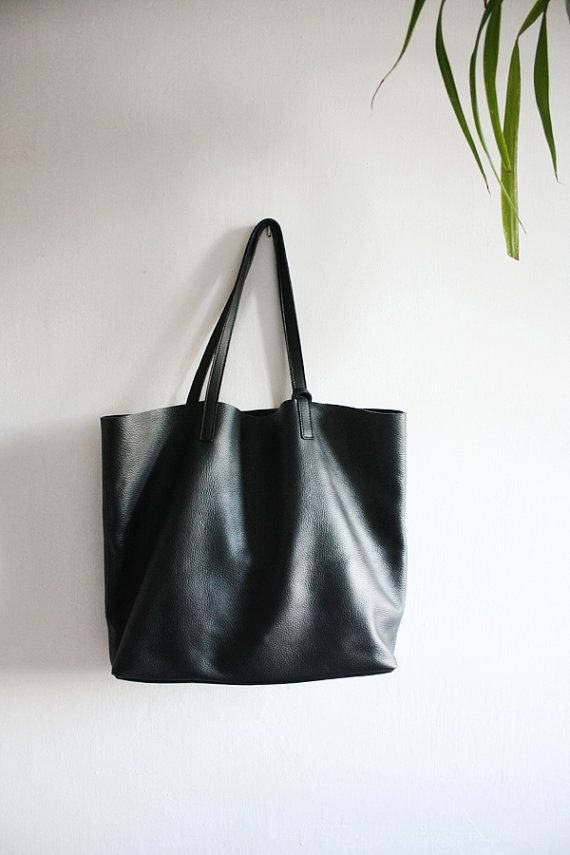 d48da3d3f77 This black leather tote is perfect for everyday as well as for ...