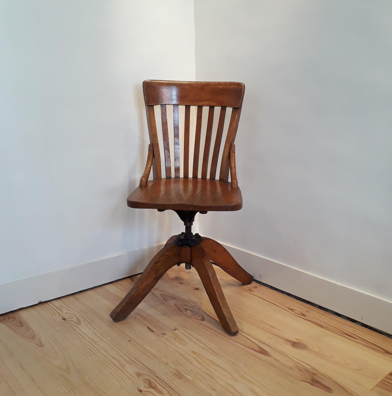 Chaise De Bureau Ancienne En Chene Massif Pivotante Et Reglable En Hauteur Chene Massif Chaise Chaise Bureau