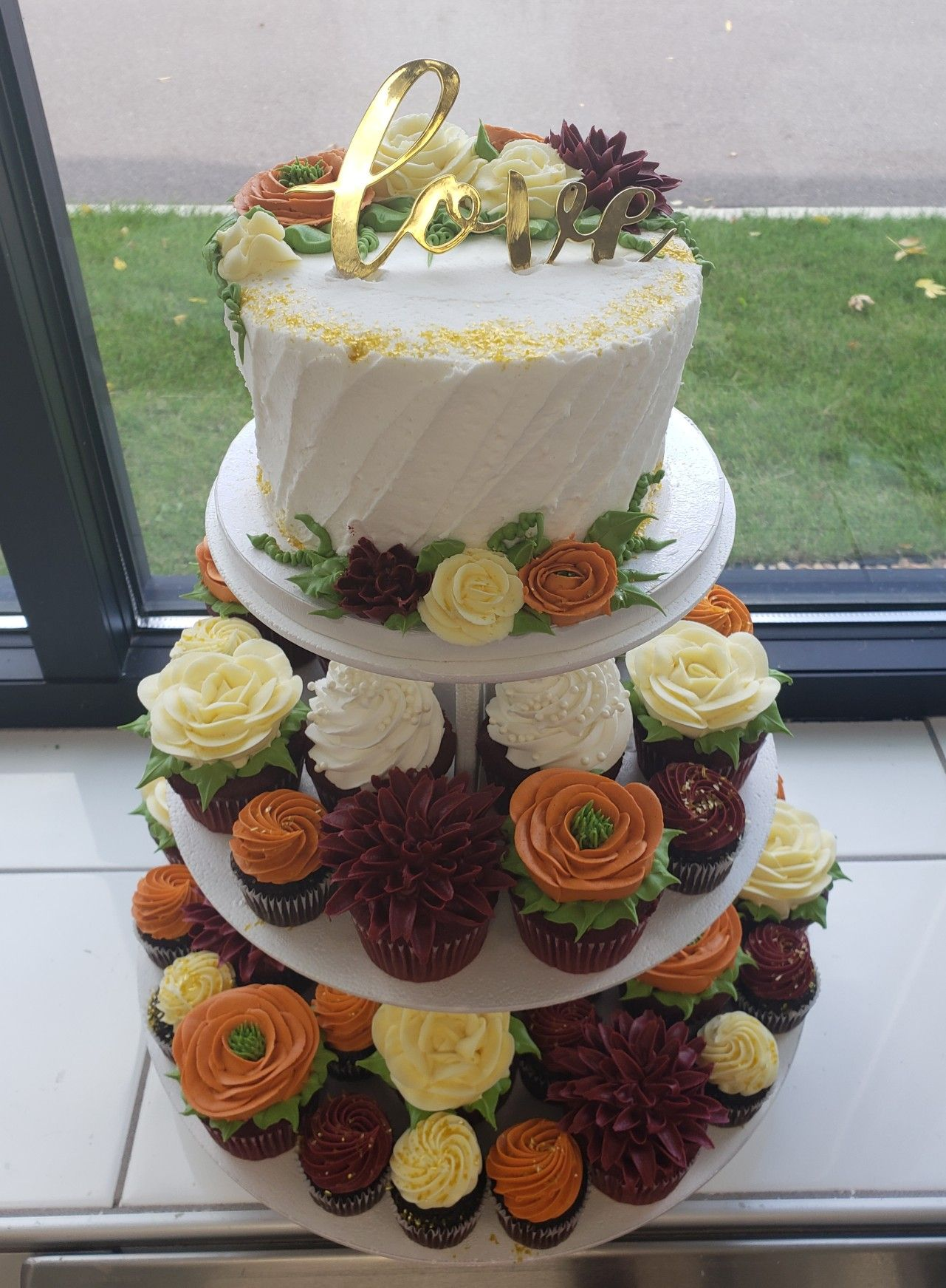 Pin by Lynne Sutch on My Cakes! Publix bakery, Fall