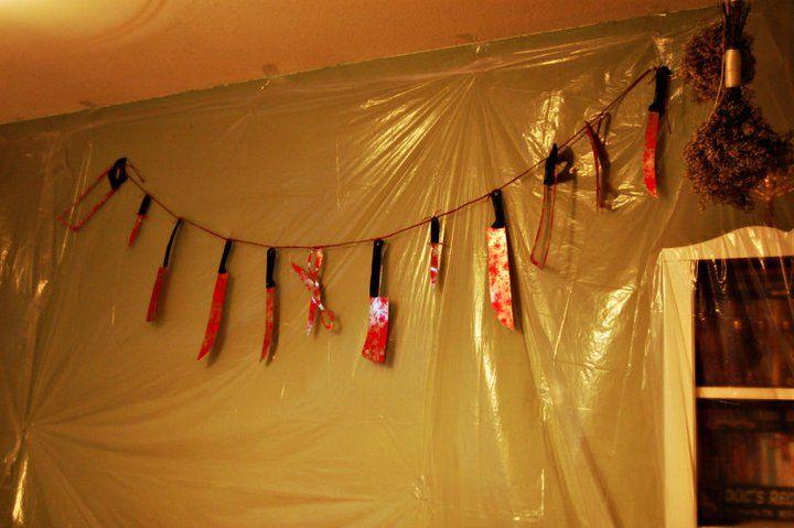 Dexter - Hanging Bloody Knife Kit