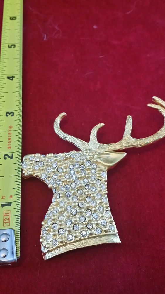 Vintage Christmas reindeer head 5 point buck brooch pin gold tone Excellent con.