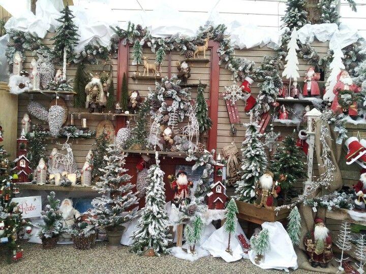 Christmas petitti garden center pinterest christmas - Petitti garden center strongsville ...