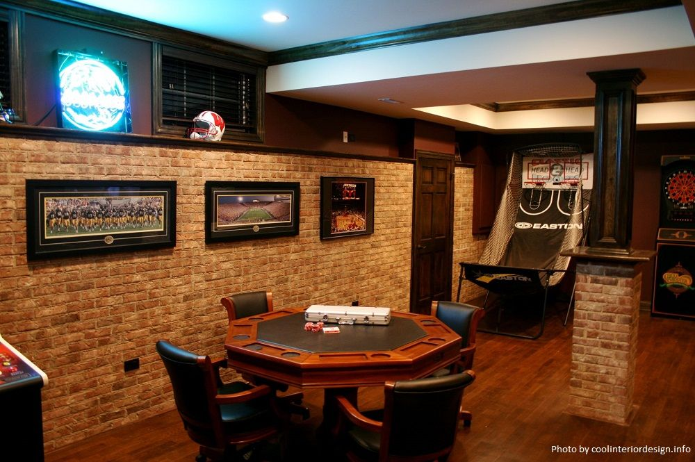 10 Must Have Items For The Ultimate Man Cave Decoracion De Bares