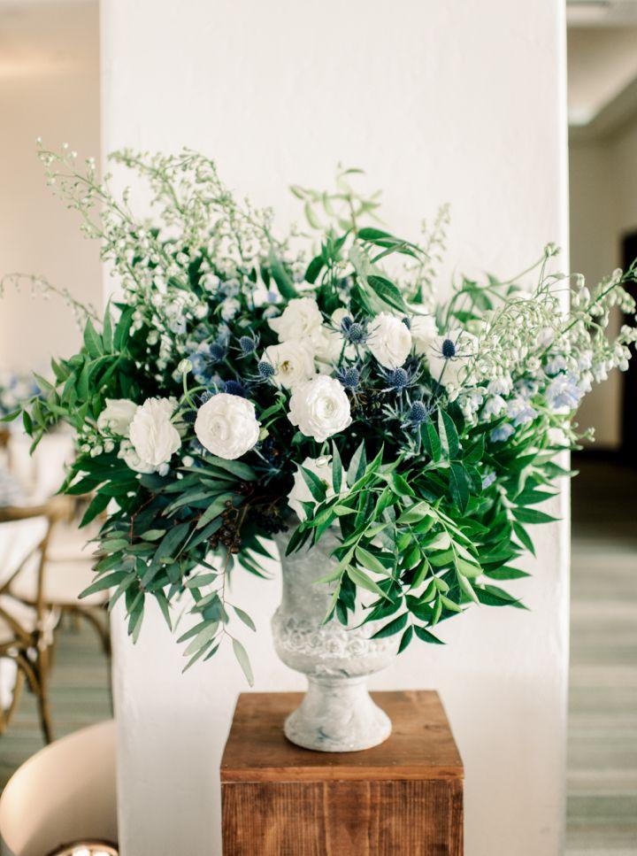 Flower arrangement wedding reception #weddingreception #weddingflowers