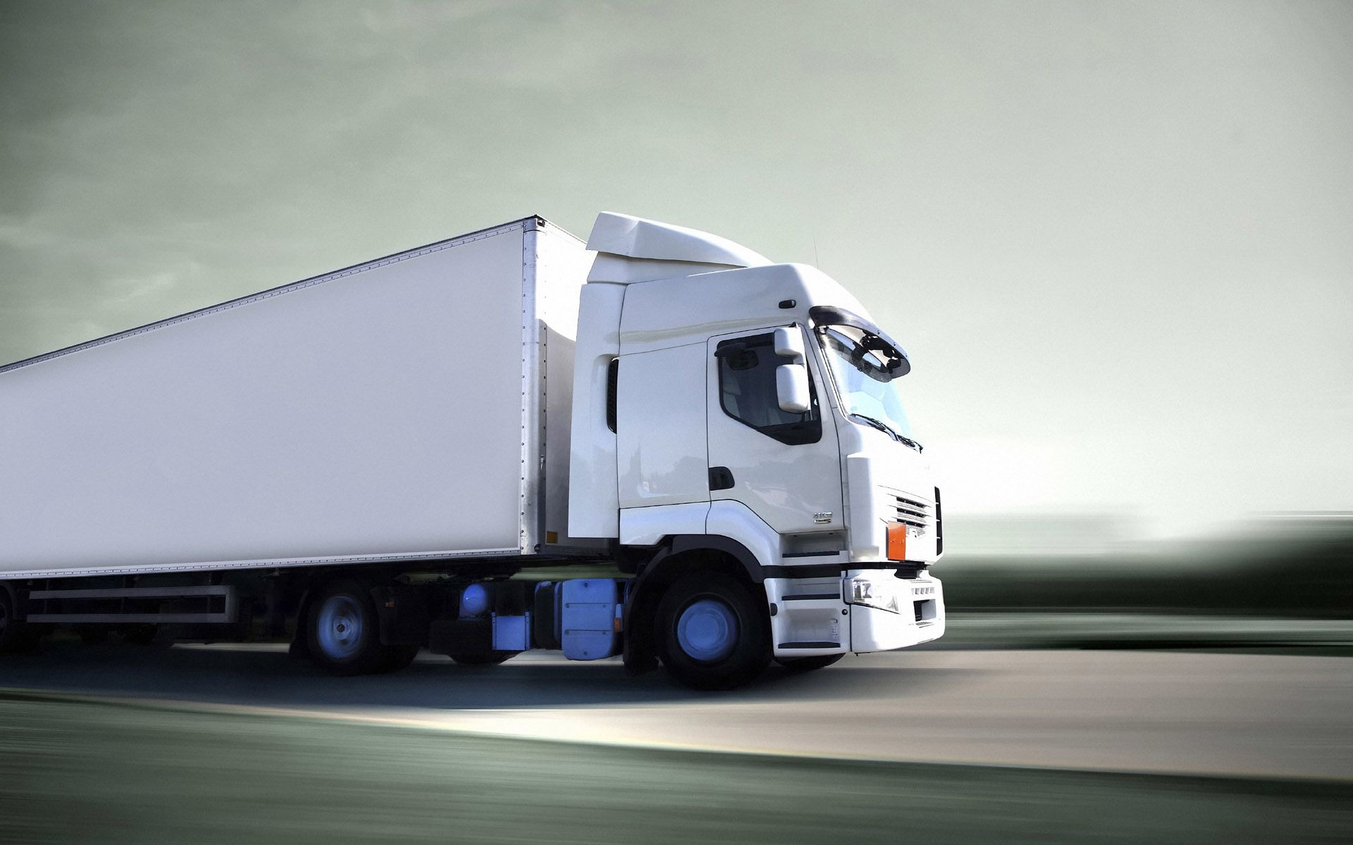 The Latest On Simple Systems Of Truck Relocations Trucks Moving Company Heavy Truck