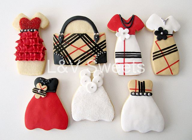 Burberry Fashionista by L sweets, via Flickr