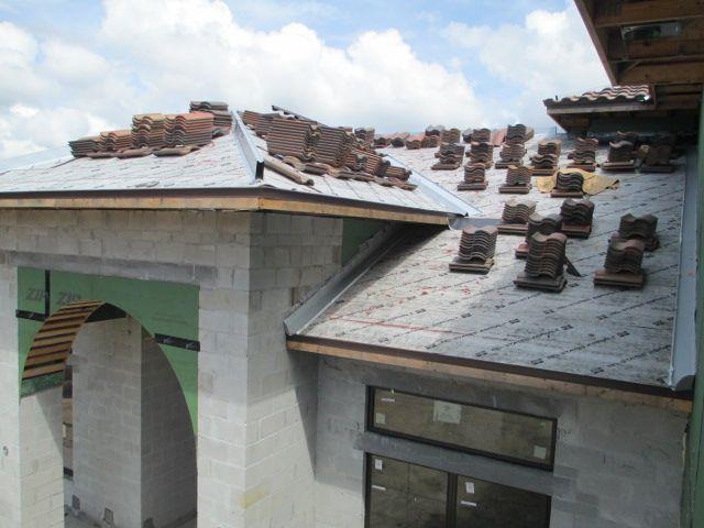 Concrete Tile Roof Loaded Concrete Tiles Concrete Under Construction