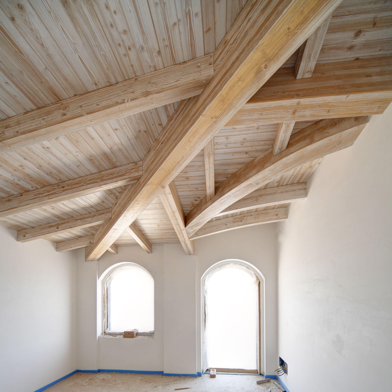 Tetto bianco spazzolato decapato #tetto | Tetti in legno nel 2019