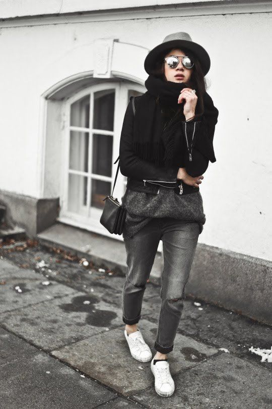 1ca133fc106 Monja Wormser is wrapping up warm this winter in a cute seasonal outfit  consisting of a leather jacket, knitwear, and a wide brimmed fedora hat for  an added ...