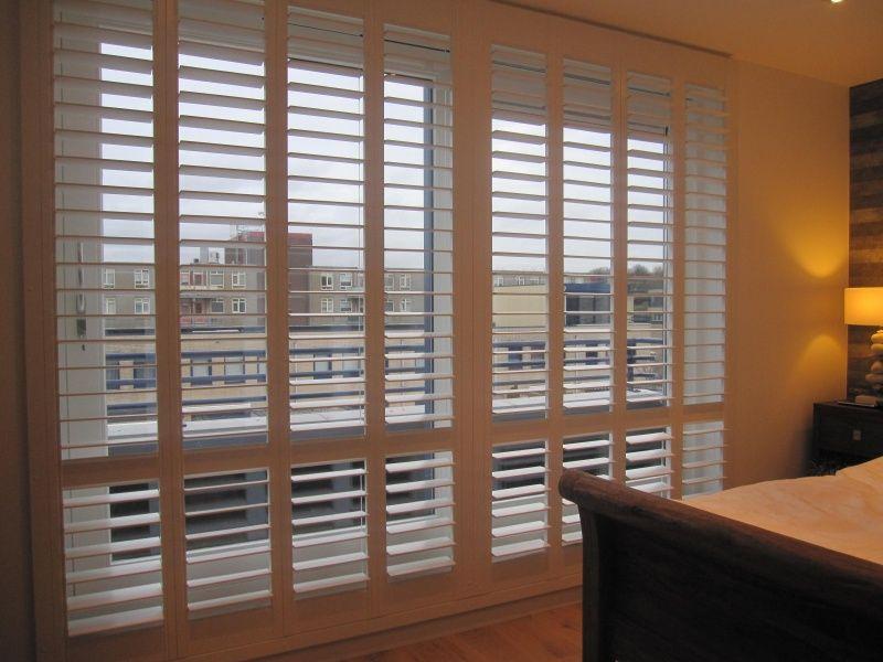 shutters voor schuifpui in slaapkamer | Huisje | Pinterest | Louvre ...