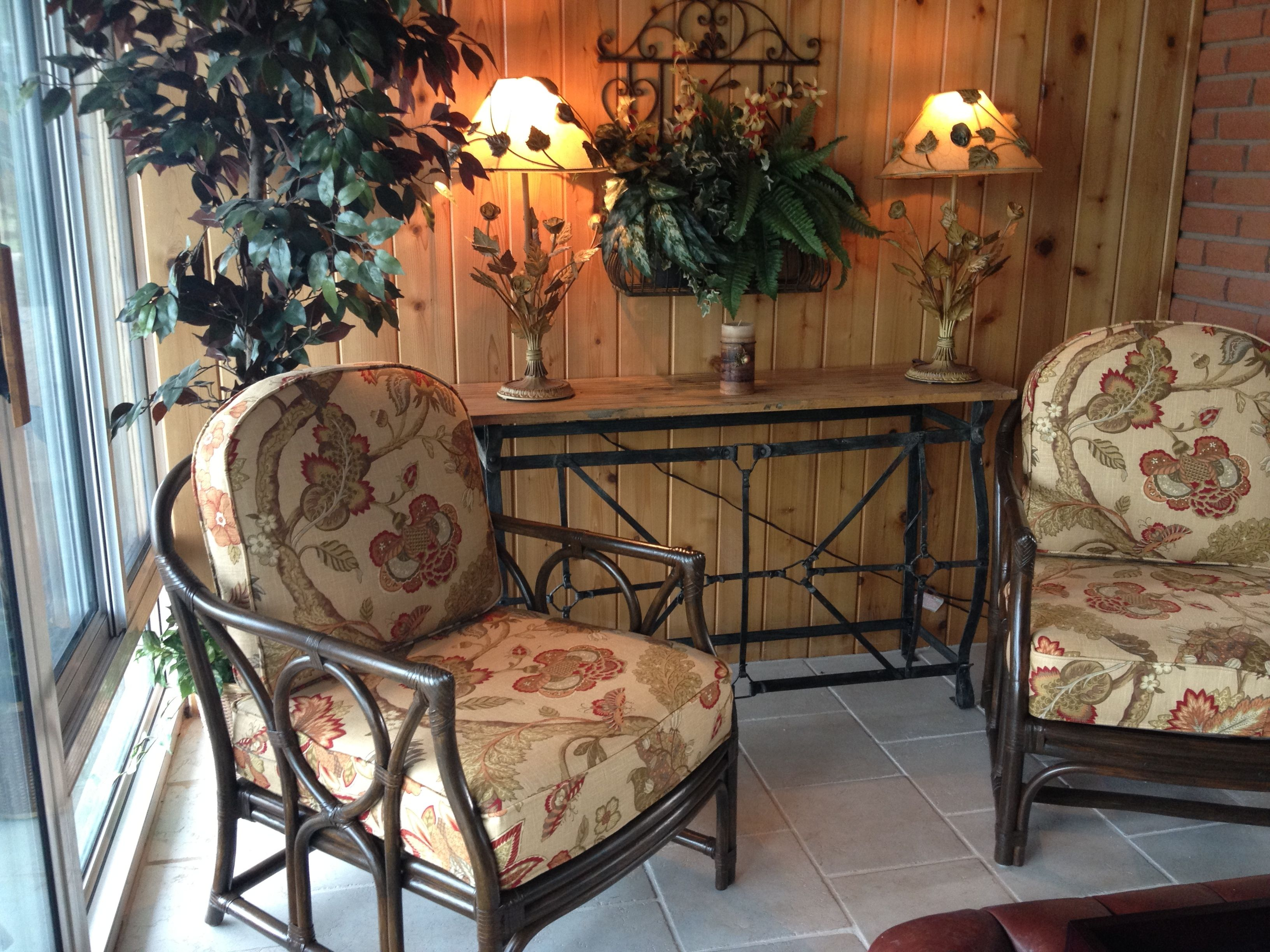 cozy sunroom created by Margo Young, certified interior decorator-call her for an appointment 519-415-5577