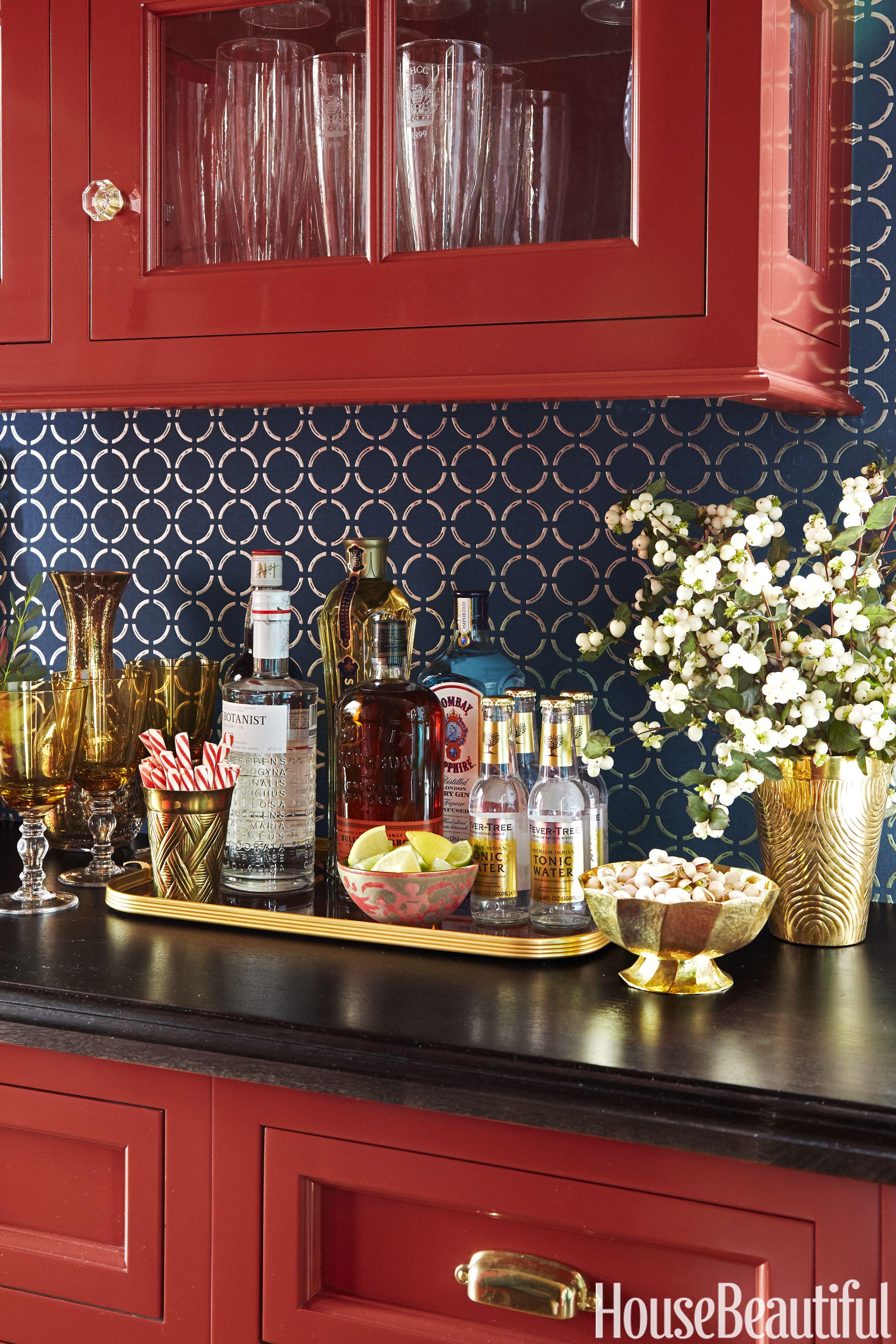 Tour A Sleek Black Kitchen Where Old And New Meet In The Middle Kitchen Tiles Design Sleek Kitchen Kitchen Backsplash