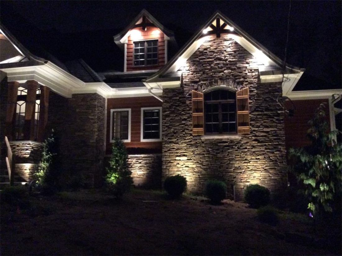 35 Garden Lighting Ideas For Amazing Frontyard Homeridian Com Front Yard Lighting House Lighting Outdoor Exterior House Lights