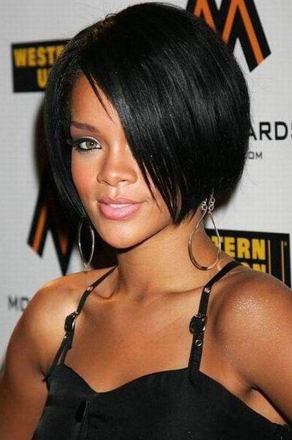 Rihanna Blunt Angular Bob Hairstyle Rihanna Hairstyles Short Hair Styles Hair Styles