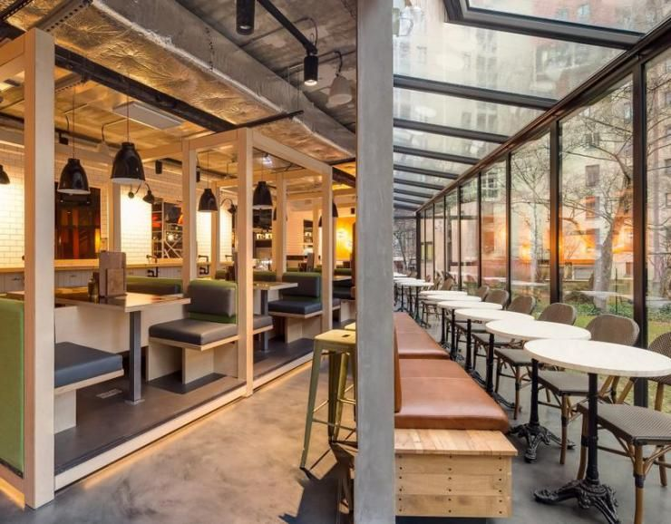 Bares e Restaurantes em Hostels ao redor do Mundo Game room bar