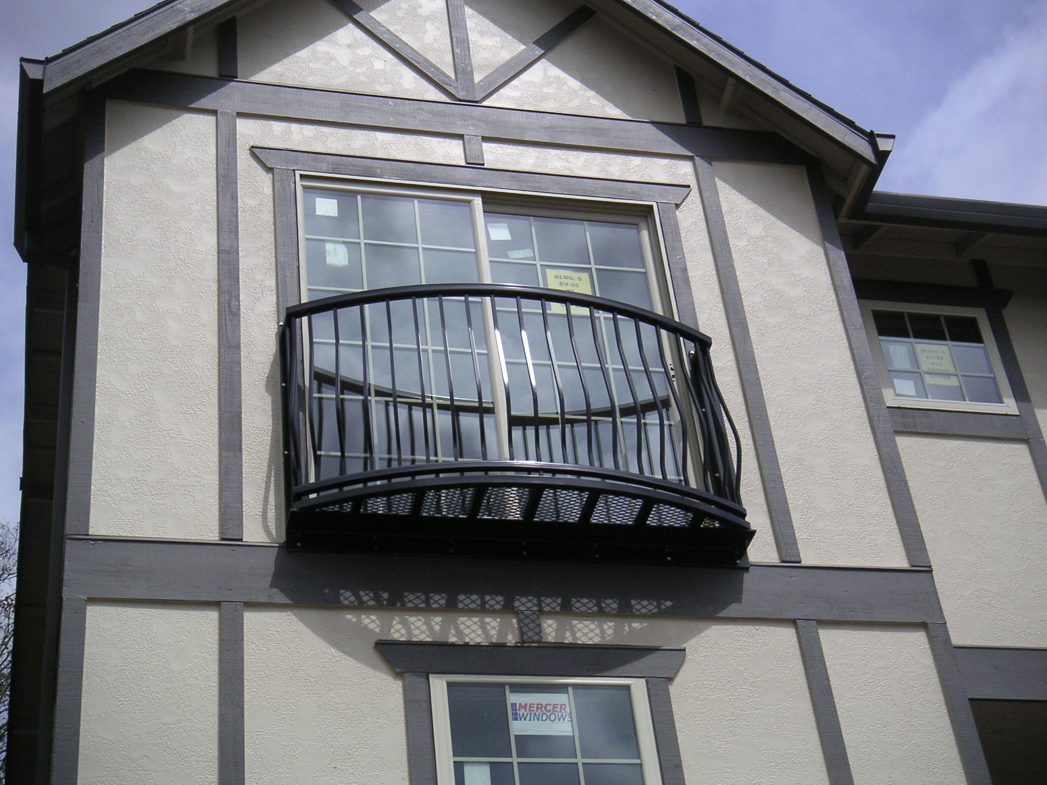 Французский балкон в частном доме фото
