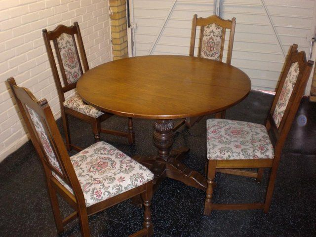 Old Charm Solid Oak Extendable Round Table And 4 Chairs For Sale In Brentwood Essex