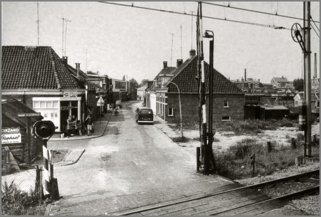 oud Almelo Volgens mij is dit het spoor aan de Zuiderstraat.