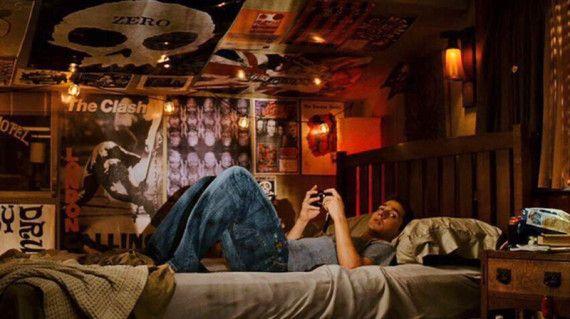 disturbia  teenage bedroom movie bedroom punk bedroom
