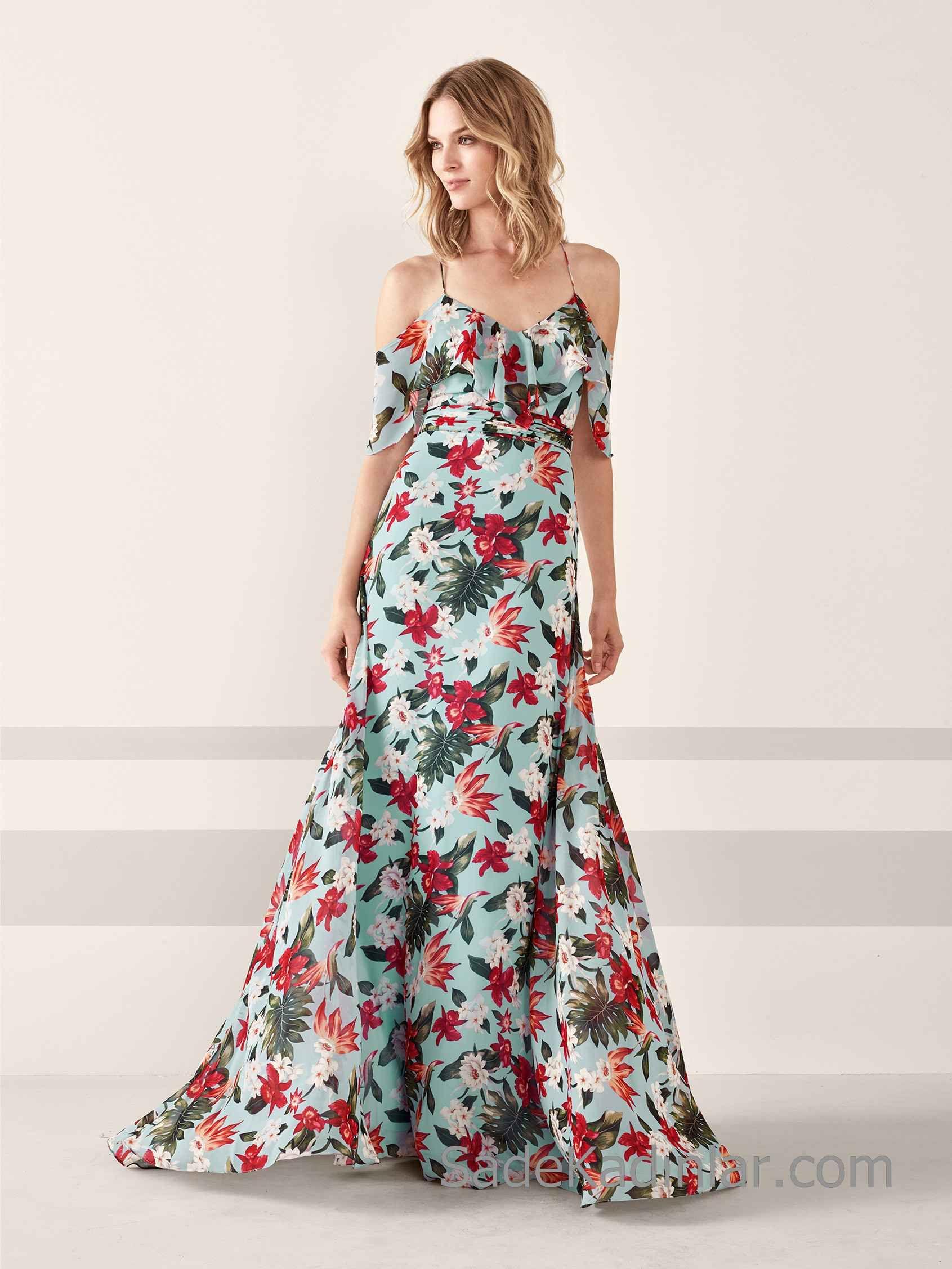 Pronovias 2020 Abiye Elbise Modelleri Yesil Uzun Ip Askili Klos Etekli Firfirli Yakali Cicek Baskili Maksi Elbiseler Elbise Modelleri Balo Elbiseleri
