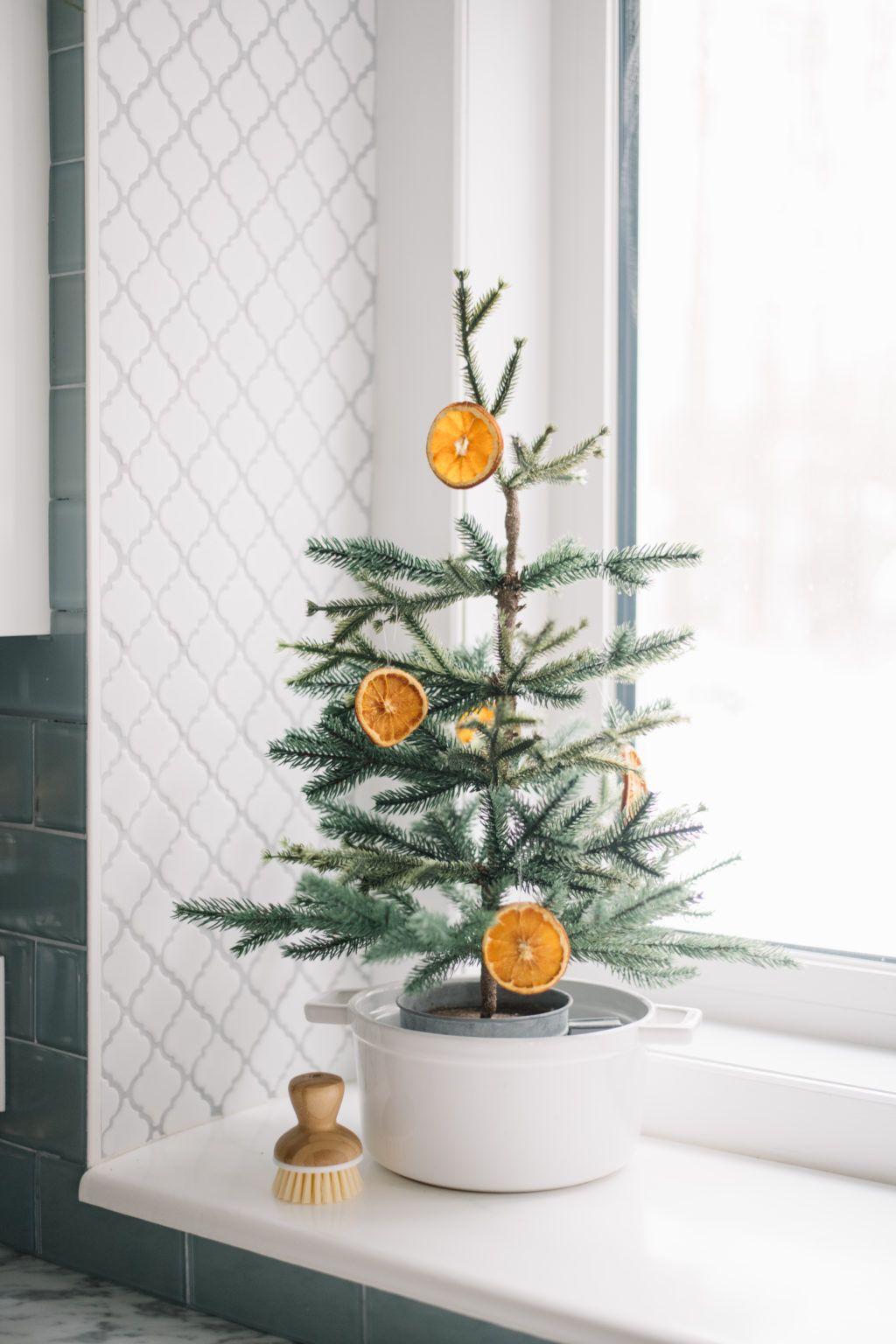 3 Simple DIY Christmas Garlands Diy christmas garland