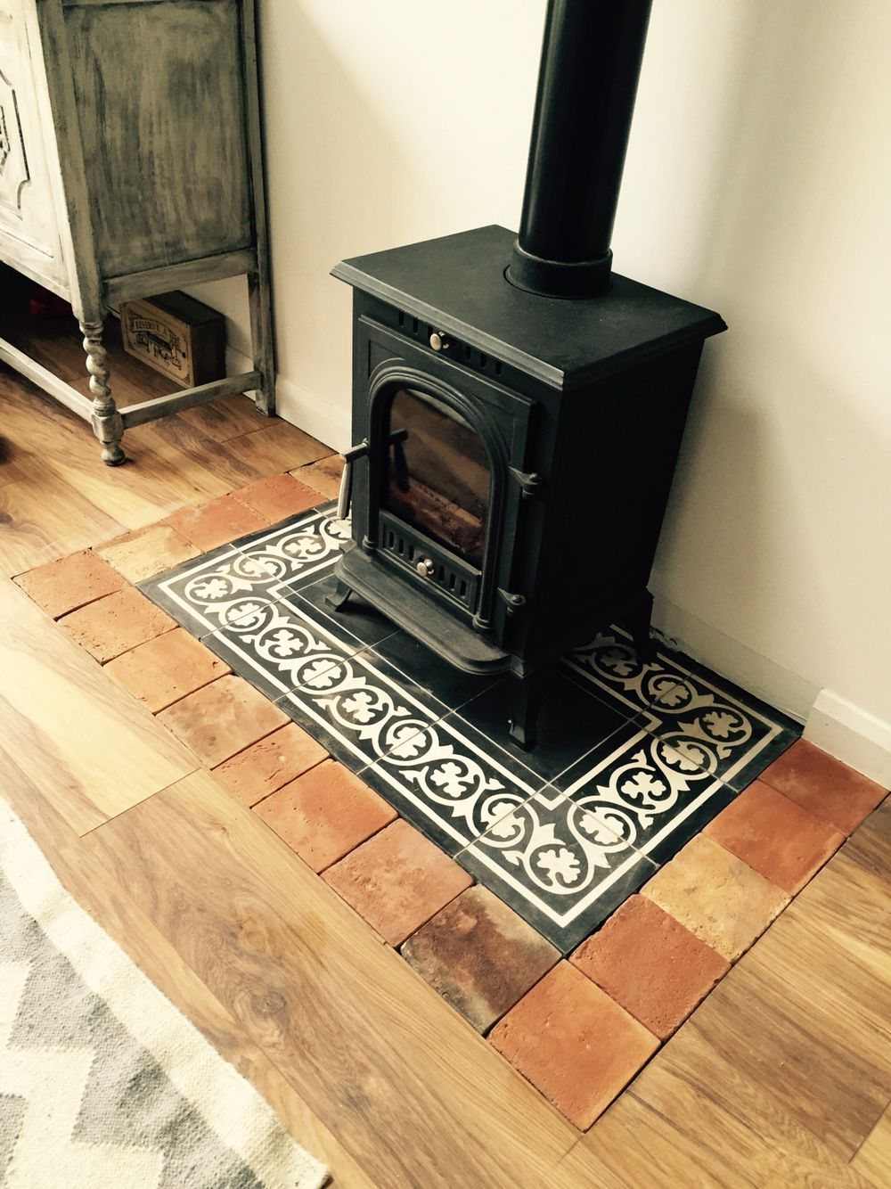 quarry tile hearth - black and red chequered - prefer it with a ...