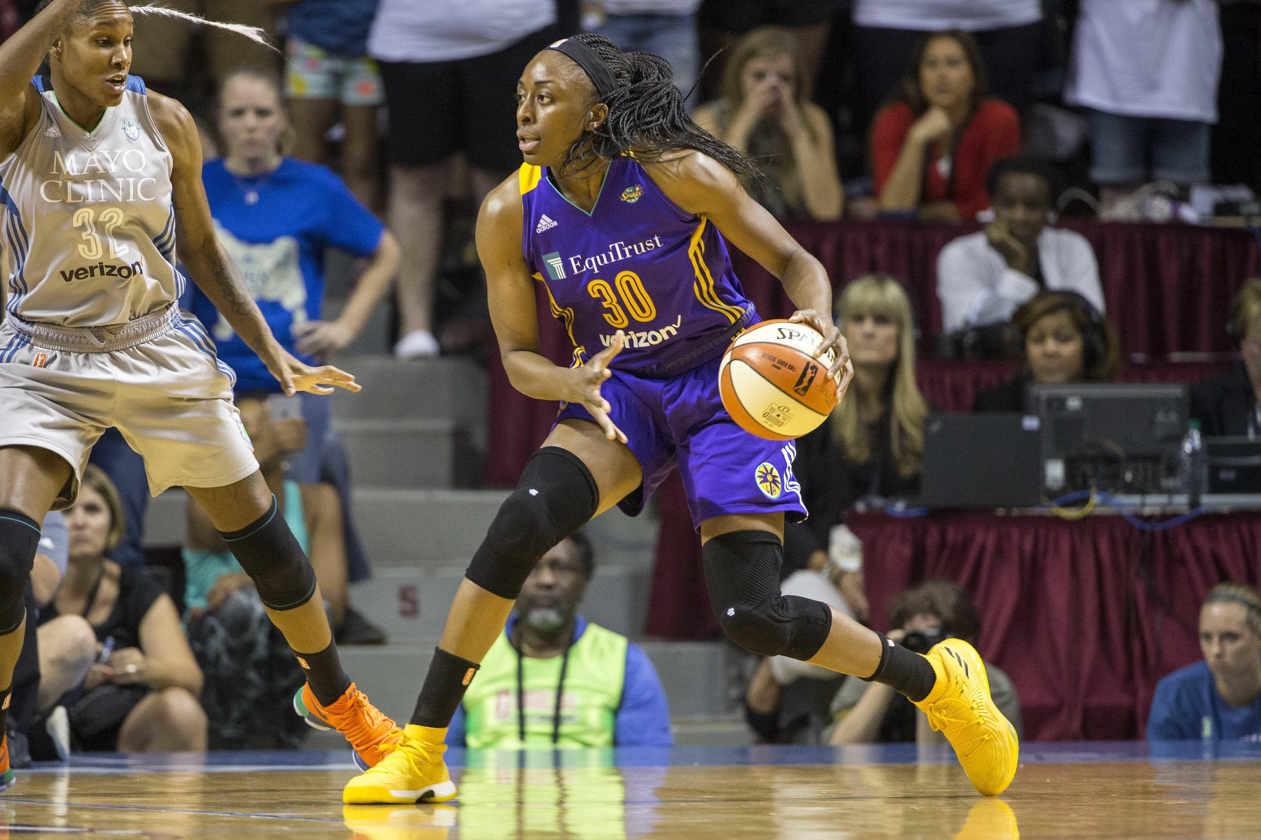 Los Angeles Sparks Skip National Anthem At Women S Nba Finals Huffpost National Anthem Wnba Nba Finals