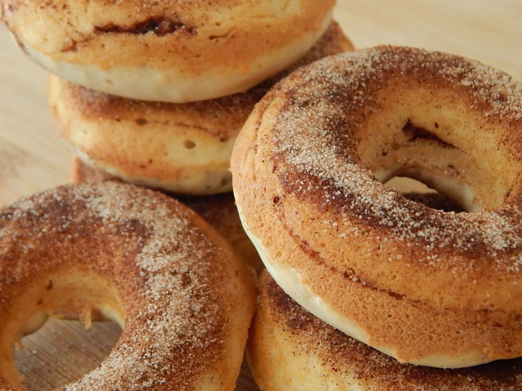 Weight Watcher Recipe..Cinnamon Sugar Cake Donuts By