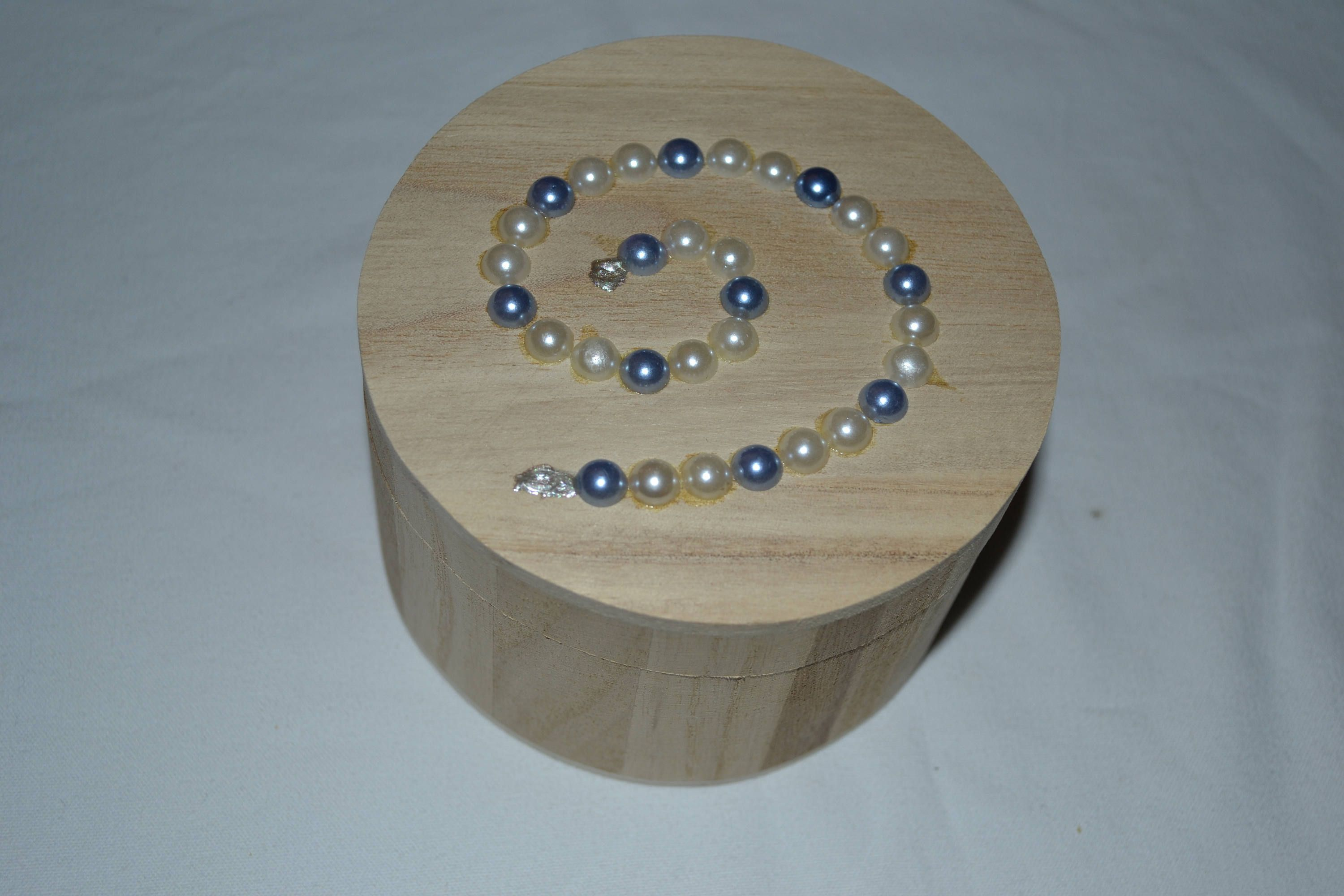 Round Jewelry Box Jewelry Case Decorated Blue And White Beaded