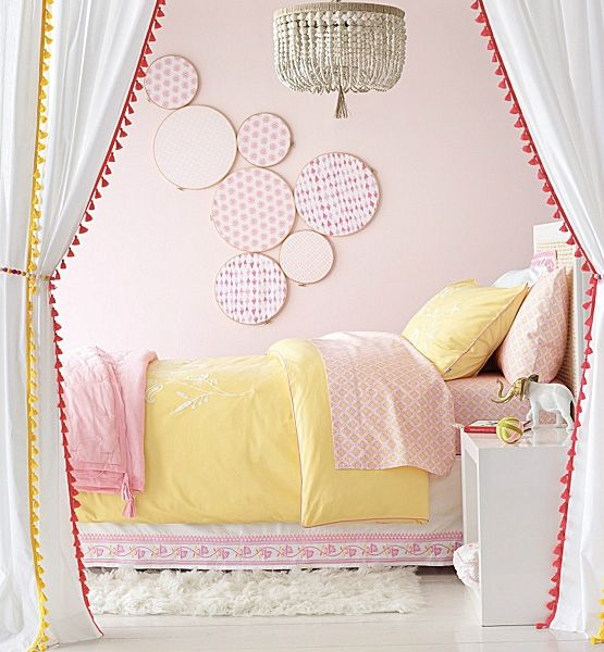 11 Affordable Ways To Decorate A Blank Wall | Life Made Simple ...