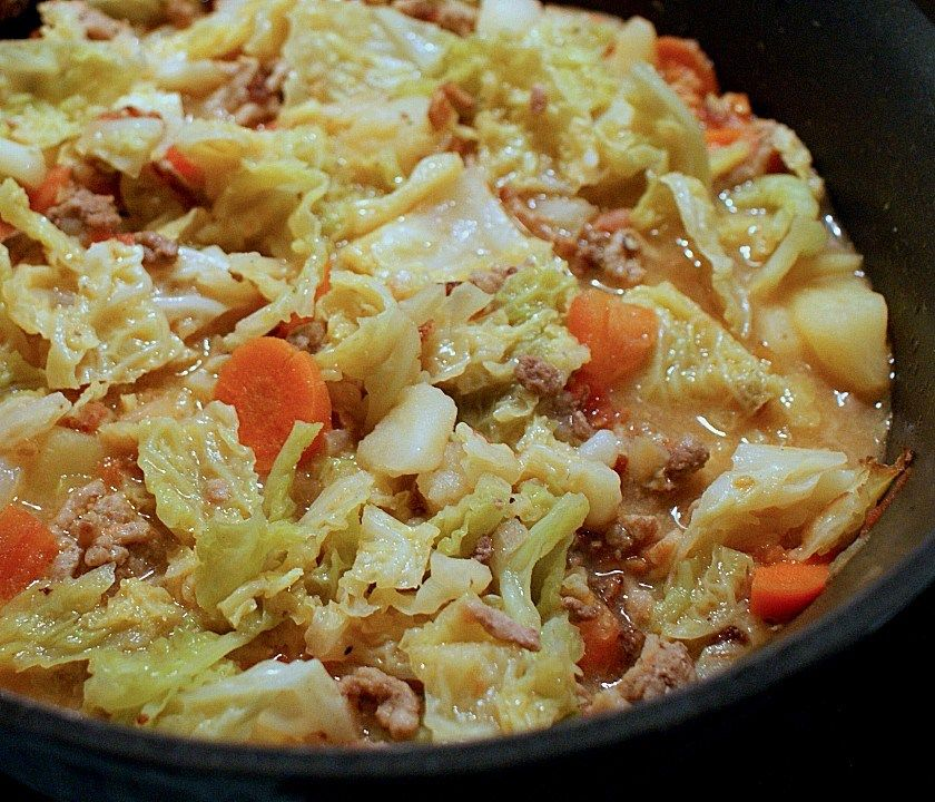 German Savoy Cabbage Stew Cabbage Stew Ground Beef And Cabbage Cabbage Soup Recipes