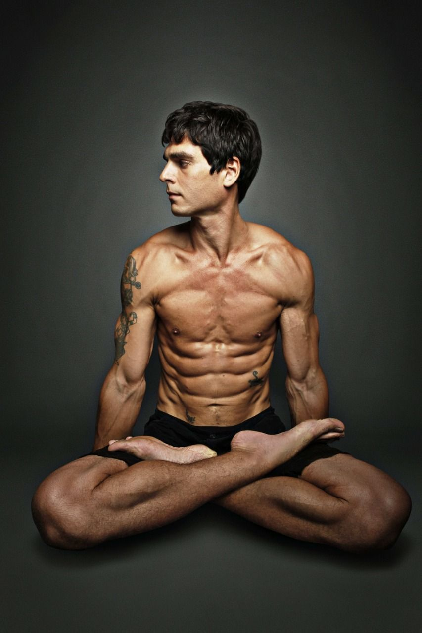 Lotus Pose Padmasana Interesting People Pinterest Yoga