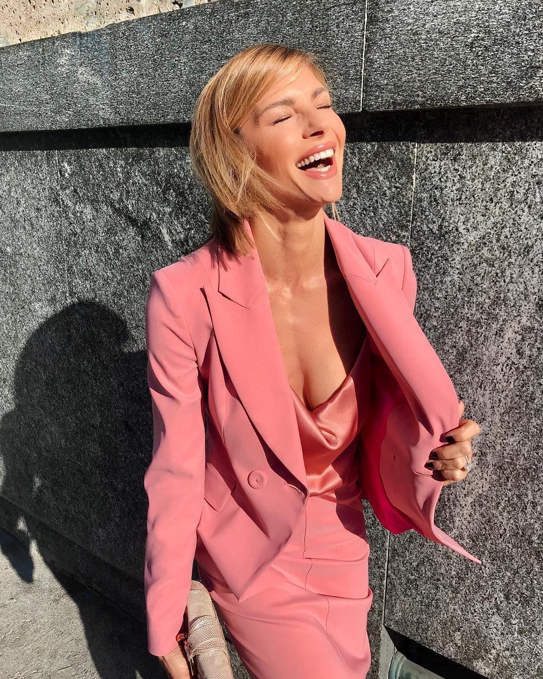 "Martina Colombari: ""Glam in rose"" | Body Goals in 2019 | Fashion ..."