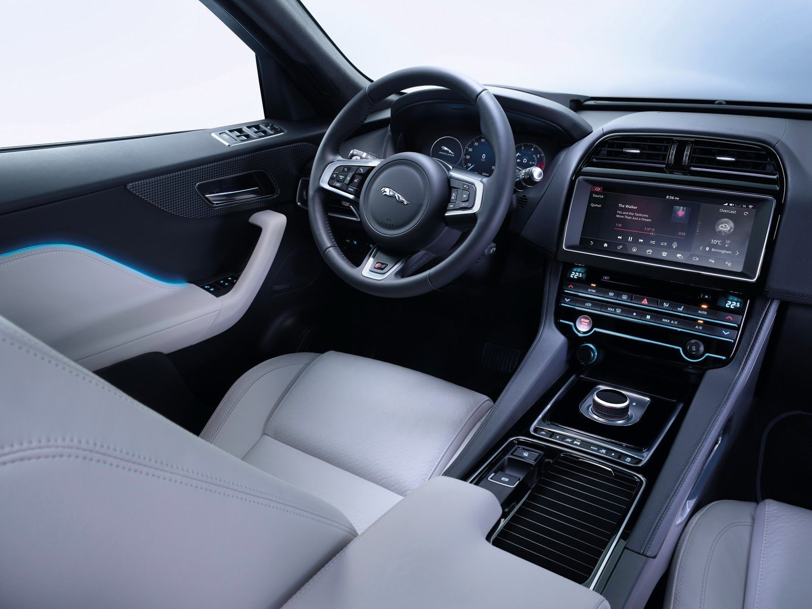 Jaguar S F Pace Demonstrates That An Suv Can Look Good Jaguar Suv Interior Jaguar Suv Jaguar Fpace