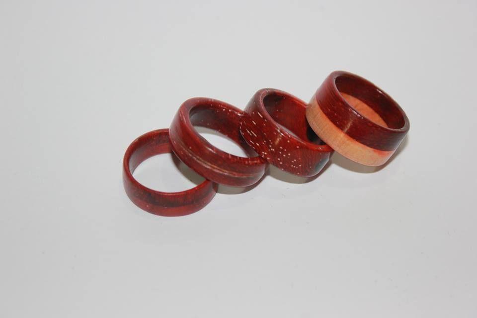 anéis em madeira redwood