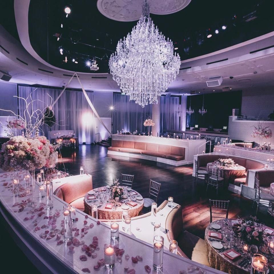 This Is How To Get Married In Vegas Vegas Wedding Venue Vegas Wedding Reception Married In Vegas