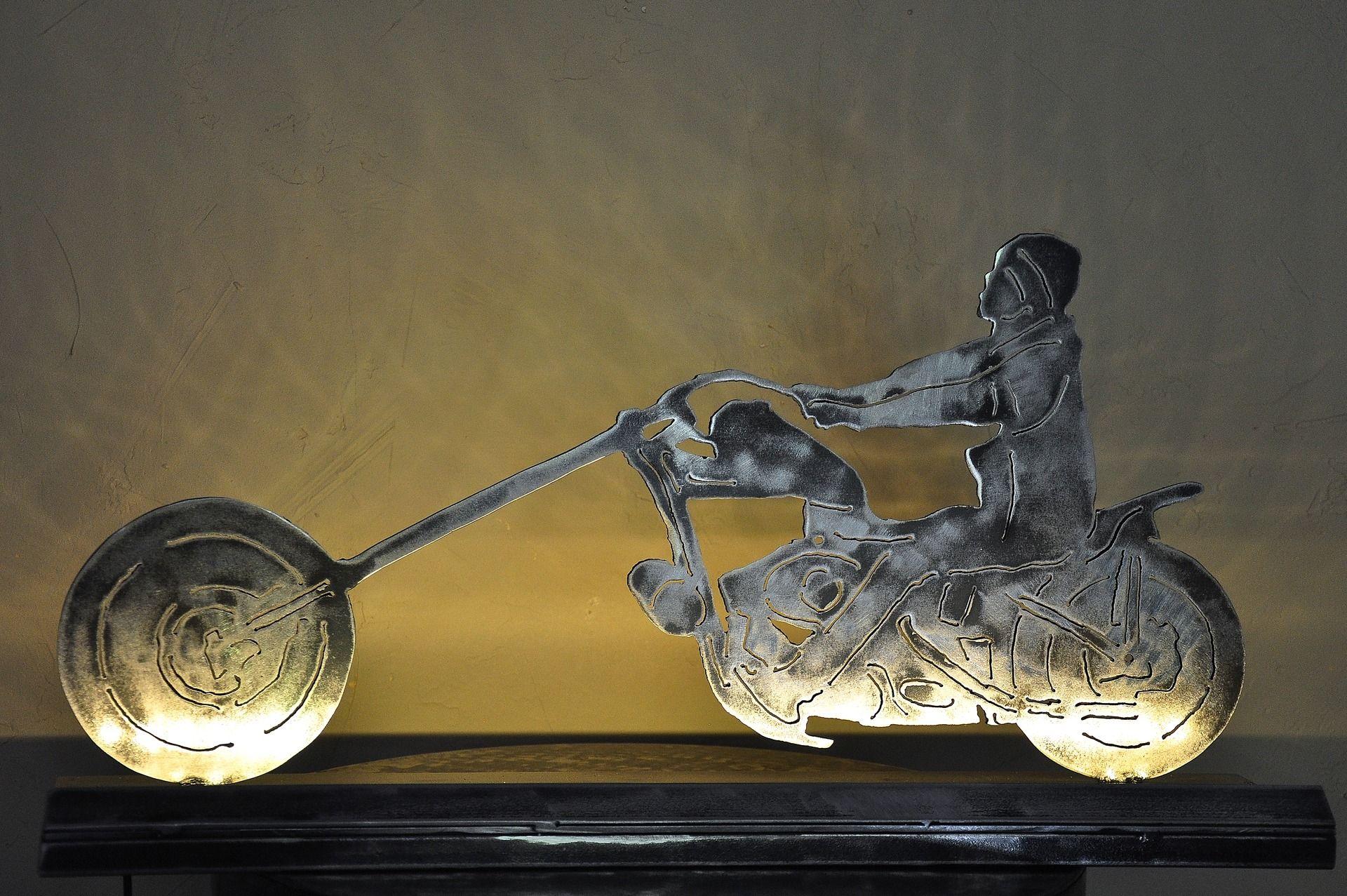 lampe moto en m tal avec ruban led ruban led led et moto. Black Bedroom Furniture Sets. Home Design Ideas
