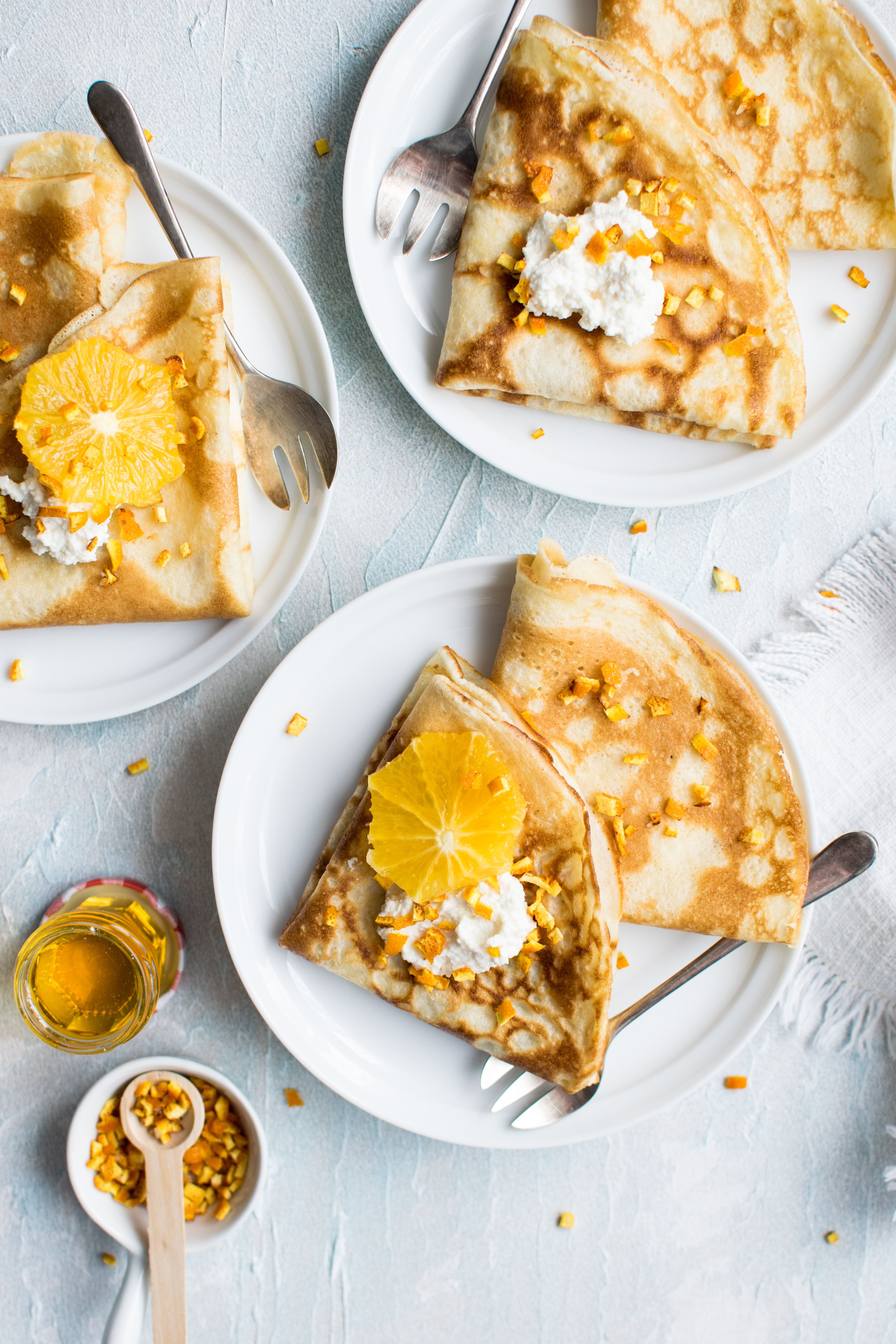Sometimes The Simple Things Taste The Best This Easy Crepe Recipe Has Fresh Whole Food Flavors With Almond Oranges And Strawbe In 2020 Food Recipes Breakfast Recipes