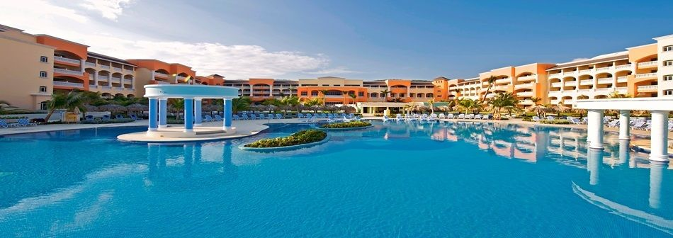 Montego Bay Jamaica Iberostar Rose Hall Suites Swimming Pool Come