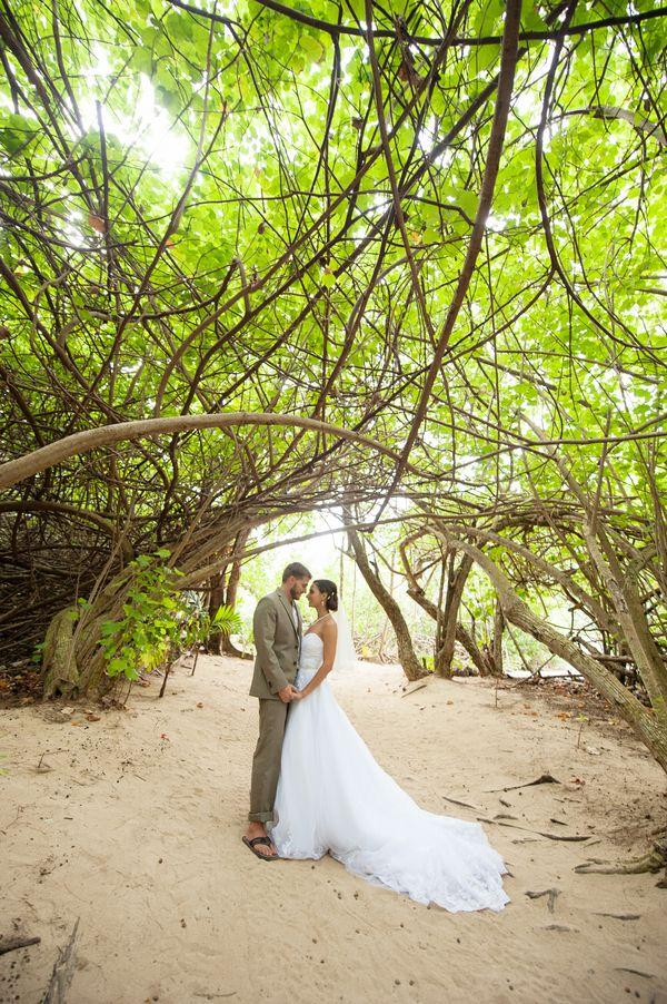 54c2fd9a33 Erica   Adam   Real Oahu Wedding   - Modern Weddings Hawaii   Bridal  Inspiration