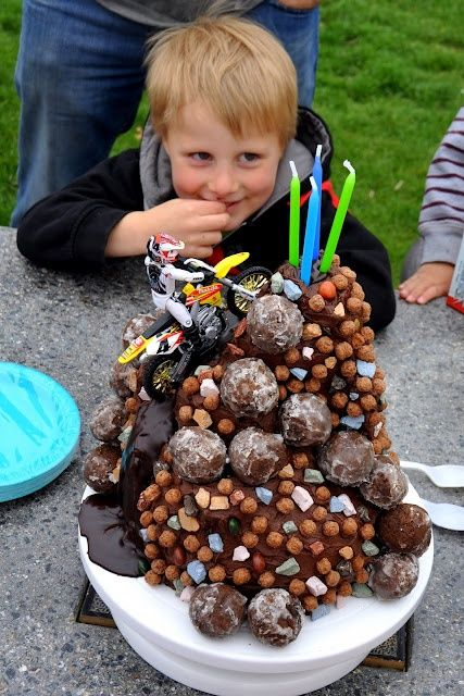 Dirt bike cake that is so cool Yum Yum in my Tum Tum Pinterest