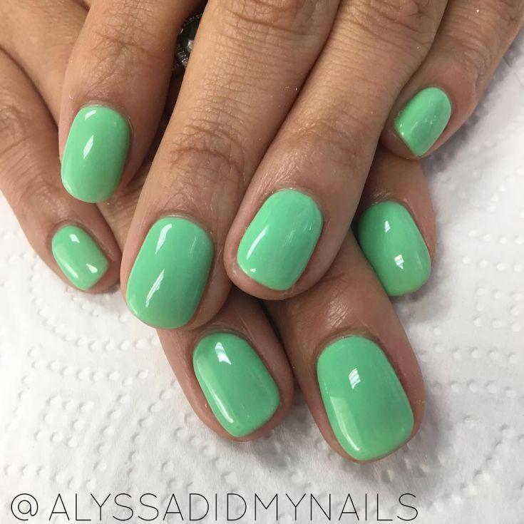50+ Manicure ideas based green color 2018 | Diseños de uñas