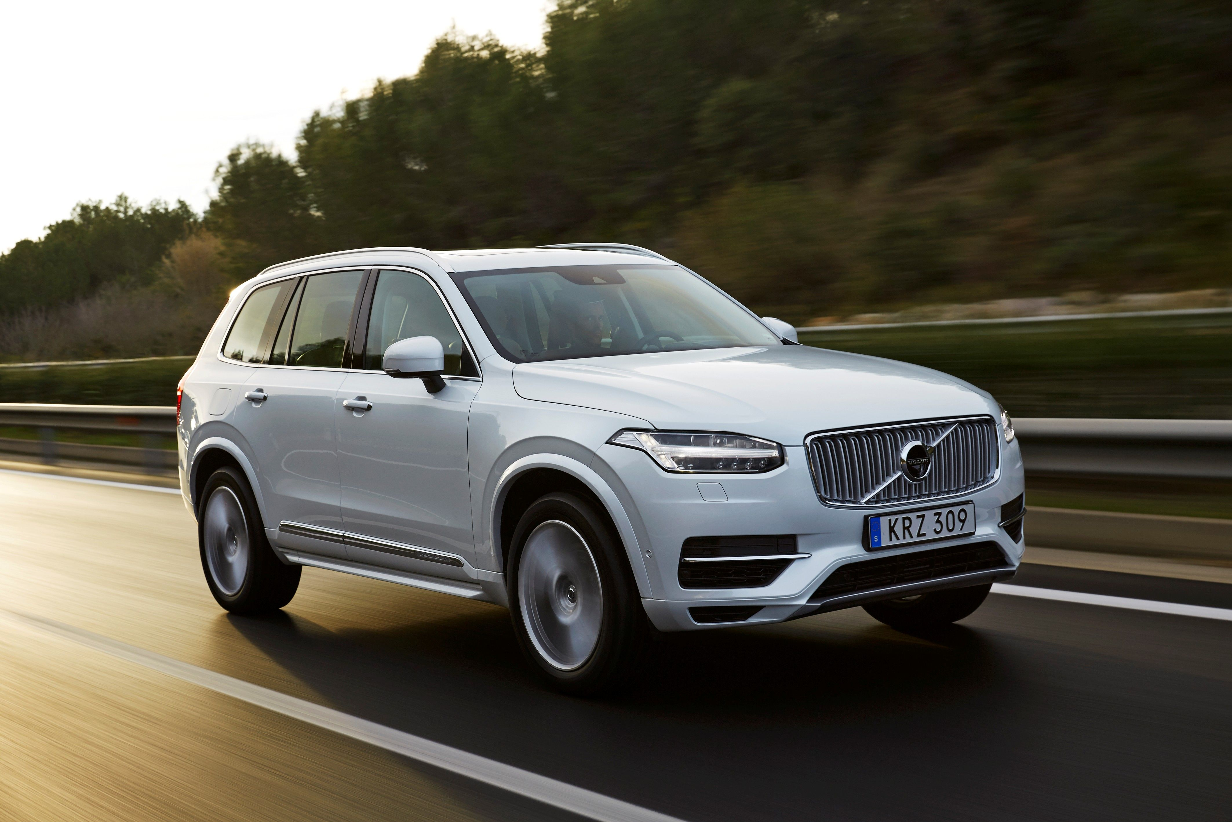 The New #Volvo XC90 T8 Twin Engine petrol plug in hybrid @volvocarsglobal