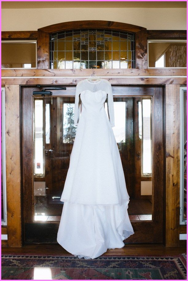 cool How should I transport my wedding dress?